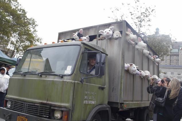 banksy truck animal