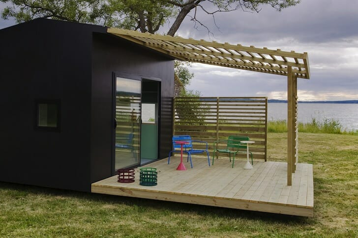 A lovely wooden tiny house you can assemble in two days - Case prefabbricate ikea in italia ...